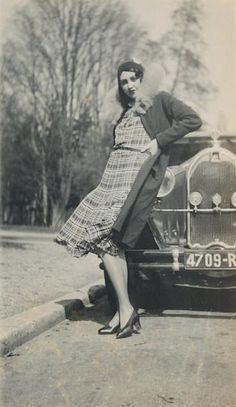 Jacques Henri-Lartigue - Renée Perle au Bois de Boulogne, 1930