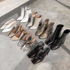 booties and heels Dr Shoes, Cute Shoes, Me Too Shoes, Shoes Heels, Shoes Tennis, Tennis Sneakers, Look Fashion, Fashion Shoes, Fashion Accessories