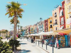 Calp is a totally normal Spanish town until you see the huge rock rising 300 meters straight from the sea. Here's the ultimate Guide to Calp! Valencia, Spanish Towns, Tourist Sites, Seaside Resort, Medieval Town, Spain And Portugal, Beach Town, Sandy Beaches, Nice View