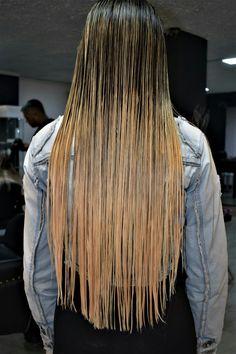 Cutting Hair, Wet Look, Wet Hair, Beautiful Ladies, Blondes, Hair Cuts, Dreadlocks, Lady, Hair Styles