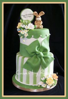 Love the green she used for this cake.  So spring-alicious.
