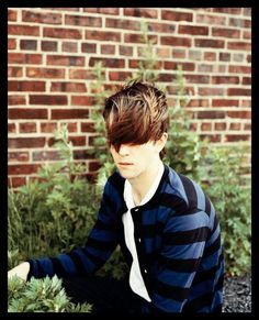 Composer, violinist, keyboardist and vocalist Michael James Owen Pallett is from Toronto, Canada. Best known as a solo performer under the name Owen Pallett he previously worked under the alias 'Final Fantasy', which he retired in 2009.