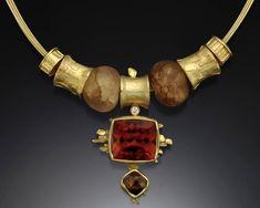 18k-Hessanite-Necklace.jpg (750×600)  |  Vroomandesigns  |  http://www.vroomandesigns.com/Necklaces.html