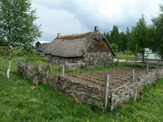 Beautiful pictures of the Highland Folk Museum in Newtonmore, Scotland. Let me show you how people lived from the early to the mid Scotland Culture, Outlander, Archaeology, Google Images, Britain, Beautiful Pictures, Folk, Museum, History