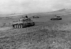 Tiger tanks from s. German Soldiers Ww2, German Army, Military Photos, Military History, Luftwaffe, Tank Wallpaper, Tiger Tank, Tank Destroyer, Ww2 Tanks