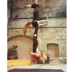 Me and @lucejackson5 are crazyyyy woo welcome to the circus #poledance #fitness #lyra #hoop #aerial #circus #dancer