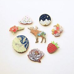 Pinback Buttons Badges Pins Blue and Purple Dragons Eye Lapel Pin Brooch Clip Trendy Accessory Jacket T-Shirt Bag Hat Shoe