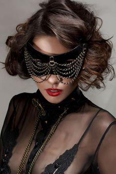 Chain Veil Mask by Paul Seville