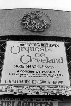 This 1977 poster announces four performances by The Cleveland Orchestra in Mexico City at the Palacio de Bellas Artes. The first time the Orchestra played Beethoven Symphony No. 7 outside the United States was on this tour.