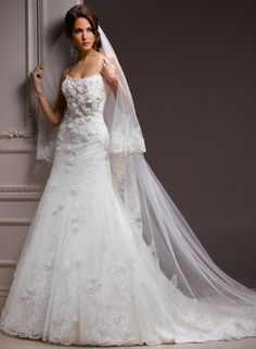 Maura - by Maggie Sottero, Wedding Dress So gorgeous!
