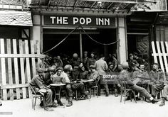 War and Conflict, World War Two, (D-Day), Invasion of France, pic: June 1944, Allied troops relaxing at a pavement cafe 'The Pop Inn' in a Normandy town