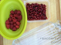 raspberry pom infused water, great for detoxing