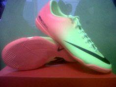 New  Nike Victory IV