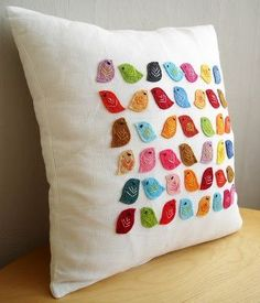 Gorgeous colouful bird pillow / cushion (eg white linen cover with coloured felt birds) Cute Pillows, Diy Pillows, Linen Pillows, Throw Pillows, Cushions To Make, Sewing Crafts, Sewing Projects, Craft Projects, Craft Ideas