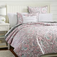 Perfectly Paisley Quilt + Sham can't tell what colors this is. grey w/coral or pink? is there mint/seafoam/blue?