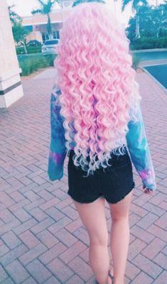 coiffure longue rose claire