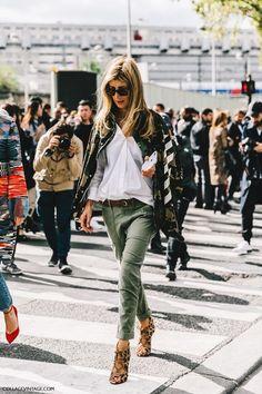 Las calles de Paris nos demuestran que la sencillez y el estilo forman la pareja ideal