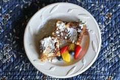 Want french toast taste without all the work? Make this recipe for Overnight French Toast Casserole the night before and pop it in the oven in the morning! Gluten Free French Toast, Make Ahead French Toast, Overnight French Toast, French Toast Bake, French Toast Caserole, Baking Recipes, Snack Recipes, Snacks, Breakfast Dishes