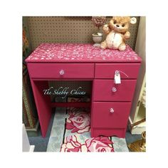 The Shabby Chicas - Royal Design Studio #royaldesignstudio - Flourish Allover Stencil and Chalk Paint