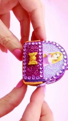 DIY Barbie's Schoolbag – Furniture plans Diy Crafts Hacks, Diy Home Crafts, Doll Crafts, Baby Crafts, Diy Doll, Creative Crafts, Fun Crafts, Diy Furniture Videos, Diy Barbie Furniture
