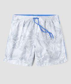 Short estampado, possui bolsos frontais e traseiros, cós aplicação de elástico e cadarço. Com estampa alegre, essa peça é perfeita para compor looks de verão com todo o conforto.