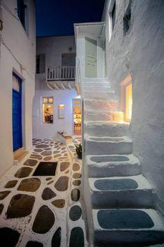Mykonos by night, Greece Mykonos Island, Santorini Greece, Beautiful Stairs, Beautiful Places, My Ideal Home, Parthenon, Greek Islands, Greece Travel, Nice View