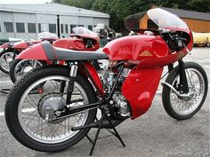 Cotton motorcycles have a remarkable history, and the owners' club celebrates the marque's centenary this year. Motorcycle Events, Motorcycle Racers, Classic Motorcycle, Old Bikes, Scooters, Cars And Motorcycles, Motorbikes, Engine, Racing