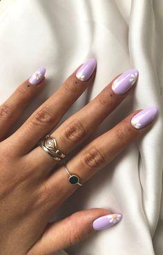 Cute Gel Nails, Chic Nails, Stylish Nails, Trendy Nails, Lilac Nails Design, Purple Nail Designs, Oval Nail Designs, Nails With Flower Design, Short Nail Designs