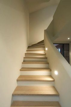 Trend World: House building ideas- Trendwelt: Hausbau Ideen Trend World: House building ideas - Escalier Design, Stair Lighting, Hall Lighting, Lighting Ideas, Lighting Design, Pendant Lighting, House Stairs, Staircase Design, House Goals