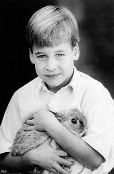 This is my favorite picture of Prince William as a little boy.  <2  Sweet photo of young Prince William holding a bunny.