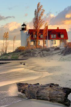 Michigan ~ Beautiful Beach and Lighthouse Lighthouse Pictures, Lighthouse Art, Garden Lighthouse, Lighthouse Lighting, Beautiful World, Beautiful Places, Beacon Of Light, Water Tower, Coastal Living