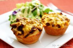 Barbeque cups. Biscuit dough, ground beef, barbeque sauce and cheddar cheese. Bake for 10 mins and serve. #Quick and Easy Dinner