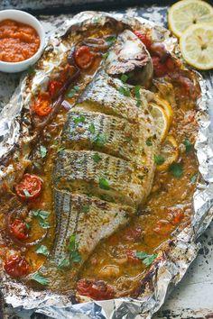 Healthy Baked Fish Recipes, Whole Fish Recipes, Best Fish Recipes, Healthy Baking, Salmon Recipes, Grilled Fish Recipes, Fish Dishes, Seafood Dishes, Seafood Recipes