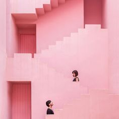 Although most of the clothes we own are black, our favourite building it's pretty colourful. Still haven't figured out why they call it La Muralla Roja, which translates into Spanish as The Red Wall… Seems pretty pink to me!