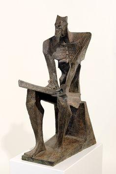 """""""Moises"""" - 1955 Bronce 83 x 31 x 49 cm. / La representación de Moisés sentado, escribiendo las Tablas de la Ley, es una de las obras más representativas de la etapa expresionista escultor Josep María Subirachs."""