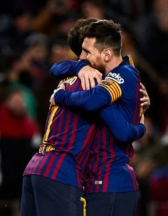 Lionel Messi and Philippe Coutinho of FC Barcelona celebrating a goal. Lionel Messi, Messi 10, Fc Barcelona, Soccer Guys, Football Players, Barca Flag, Sexy Military Men, Hot Cops, Sports Images