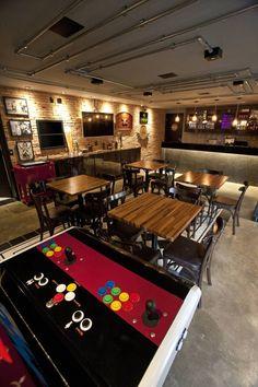 Com bar generoso, mesa de sinuca e decoração descolada, espaços tornam-se novo ponto de encontro para homens que gostam de cuidar do visual