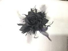 Купить Черная роза - черный, фоамиран, пластичная замша, перья, разреженный…