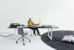 The Frankie conference table with a sled base creates a visually strong appearance to the space and is perfect as well for collaboration as for short term Activity Based Working.  The Frankie table collection designed by Iiro Viljanen includes various table sizes and bases. Combining different table top materials and base shapes the collection offers solutions for different needs.