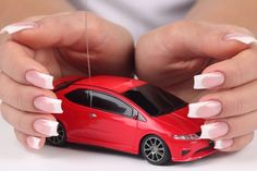 В связи с ростом курса доллара автолюбителям придется доплатить за страховку.