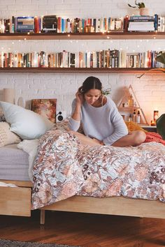 Plum & Bow Mila Allover Floral Duvet Snooze Set from Urban Outfitters. Shop more products from Urban Outfitters on Wanelo. My New Room, My Room, Cozy Bedroom, Bedroom Decor, Bookshelves In Bedroom, Book Shelf Bedroom, Bedroom Wall Shelves, Hanging Bookshelves, Bookcases