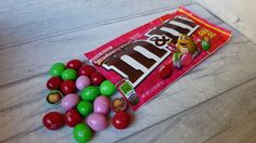 NEW REVIEW: Strawberry Nut @mmschocolate Yes strawberry peanut M&MS exist