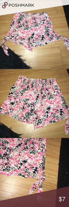 AEROPOSTALE   Pink Floral Shorts Excellent condition, waist stretches, ties at bottom, size XS Aeropostale Shorts