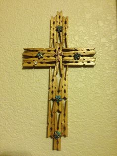 Crosses Clothespin Cross, Wooden Clothespin Crafts, Toilet Paper Crafts, Vbs Crafts, Crafts For Boys, Craft Stick Crafts, Crafts To Make, Cross Wall Art, Catholic Crafts