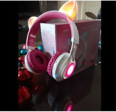 headphones for kids wireless bluetooth headphones with cat ear and LED lights headphones for kids Xmas gift Cat Headphones, Bluetooth Headphones, Xmas Gifts For Kids, Light Up, Smartphone, Ear, Iphone, Cute Headphones, Tecnologia