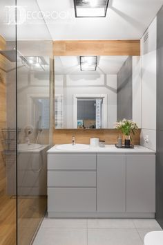 This lovely polish apartment is filled with amazing design features that you can easily transfer to your dream house Bad Inspiration, Bathroom Inspiration, Modern Bathroom, Small Bathroom, Modern Interior, Interior Design, Indus, Small Apartments, Apartment Living