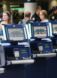 Customs self-service kiosks, which aim to cut down the time travelers are stuck waiting after traveling abroad, are being installed at major airports around the globe.