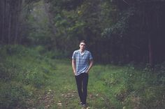 senior photo ideas, senior boy, senior guy, senior picture ideas, senior poses, posing guys, woodsy senior photos, Hipster Senior Guy Photos - St. Louis Senior Photographer — Charis Rowland Photography