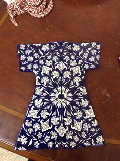 Şerife hanım çini kaftan Dress Design Sketches, Old Art, Chinese Style, Islamic Art, Flower Prints, Designer Dresses, Blue And White, Textiles, Sufi