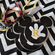 DIY Disneyland Autograph Book from your Cricut Machine! #DIY #Craft #Disneyland
